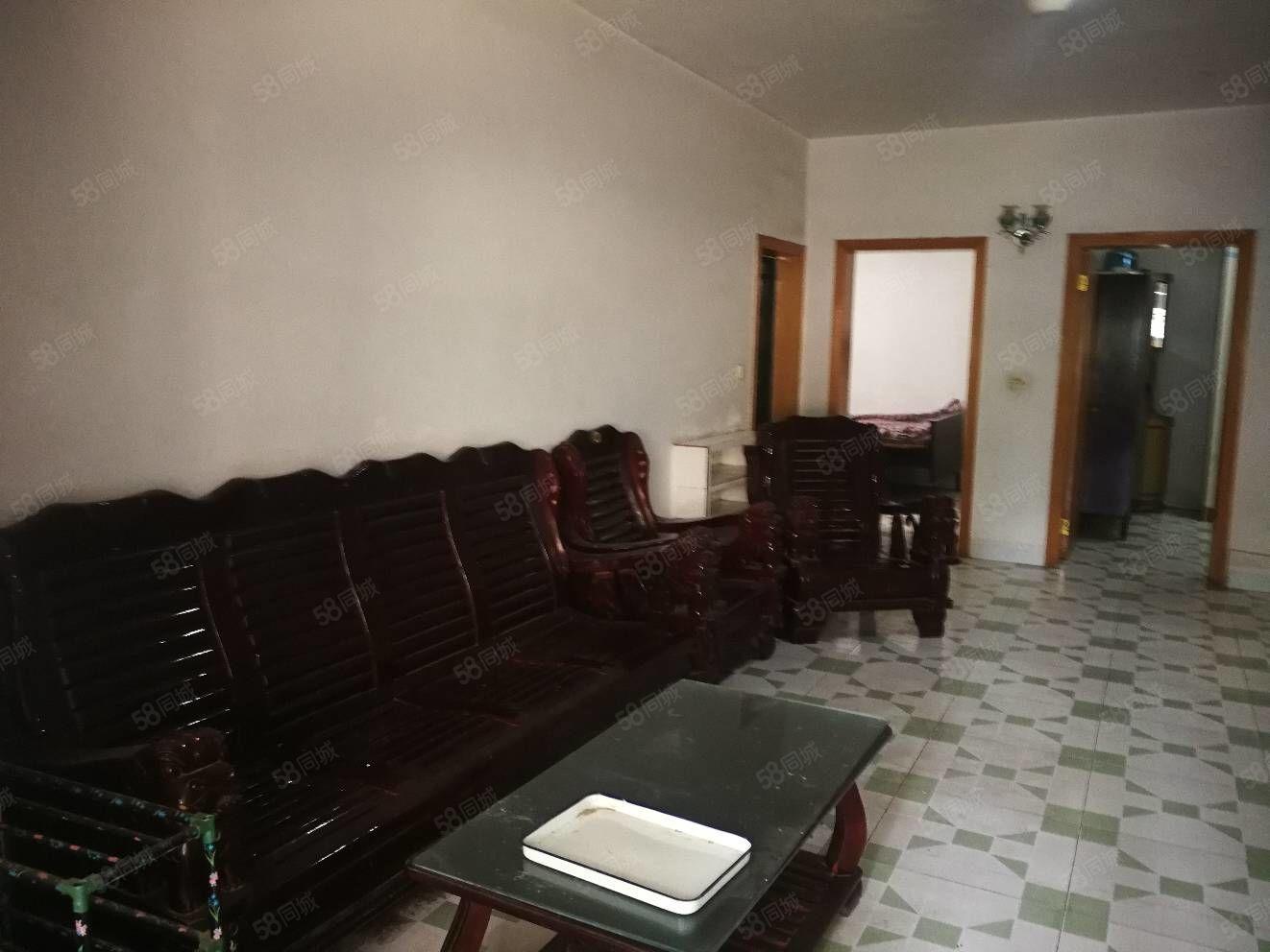 小南街4樓二室二廳家具家電空調一個