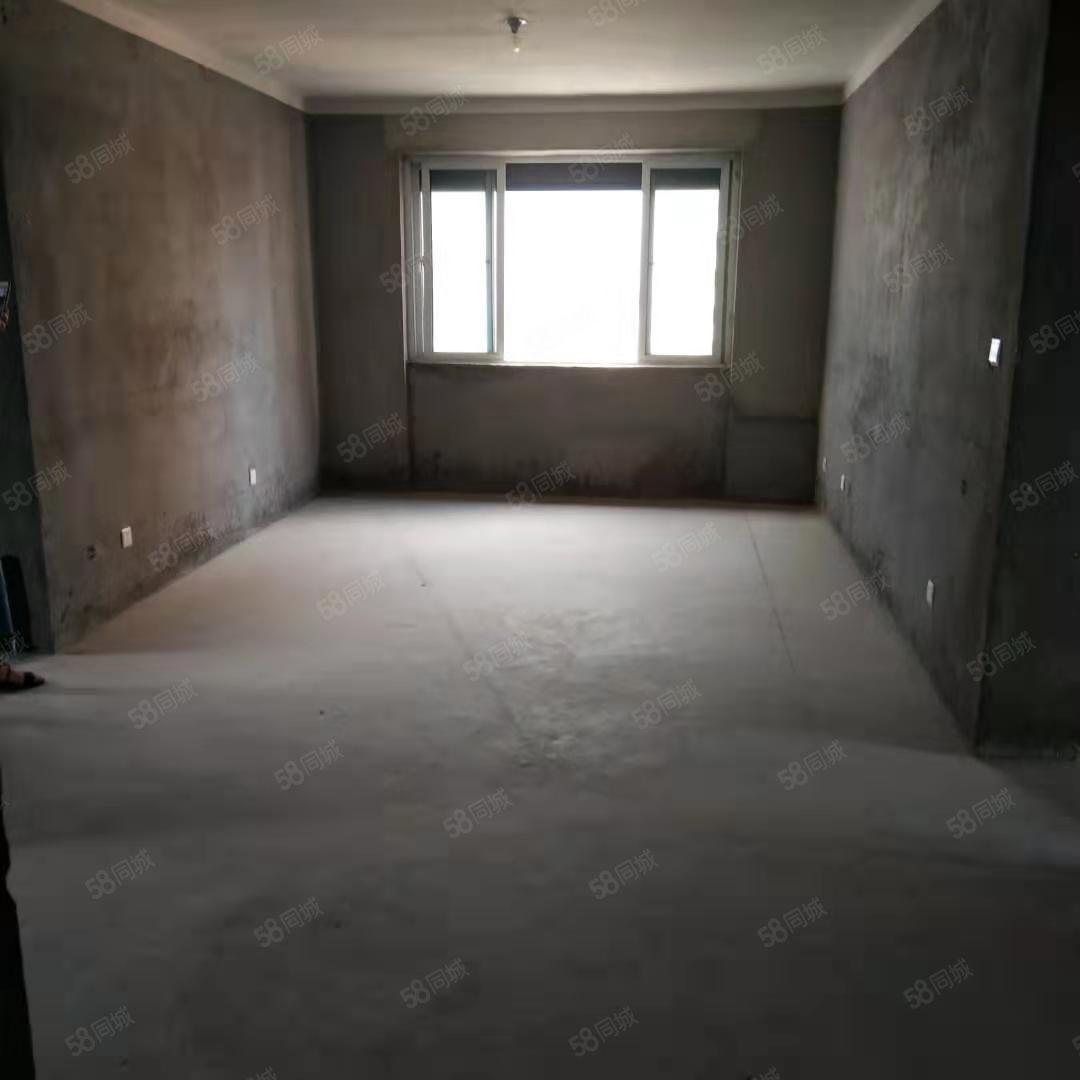 高檔小調碧桂園對面標準三室