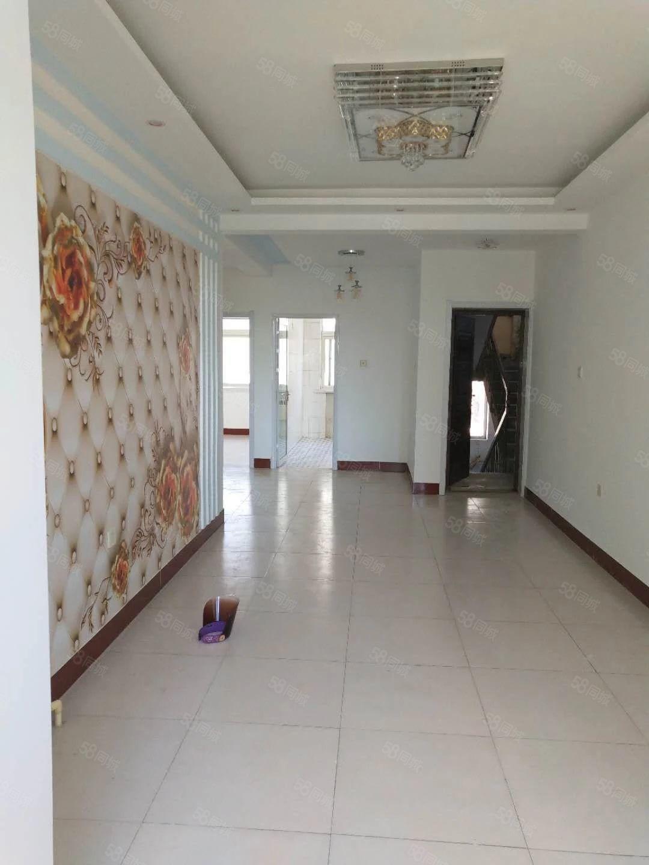 河东吉美附近2楼带小房证上91.39平带小房