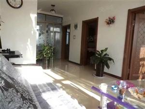 出售学府现代城小区两室一厅住宅,楼层好,全天采光。