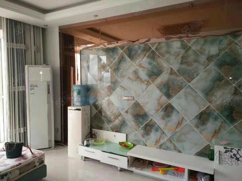 滨江国际电梯精装三房装修未入住有证满二随时过可按揭