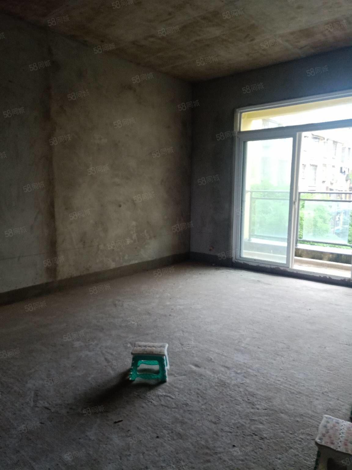 金月湾多层中层大三室单价仅5200低于市场价