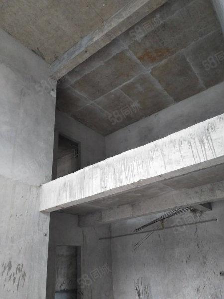 万山区名家汇电梯复式楼桂花大道