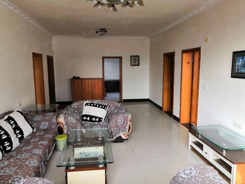 客厅亮堂,采光充足,划分广二中,北城小学,房间大气,价格便宜