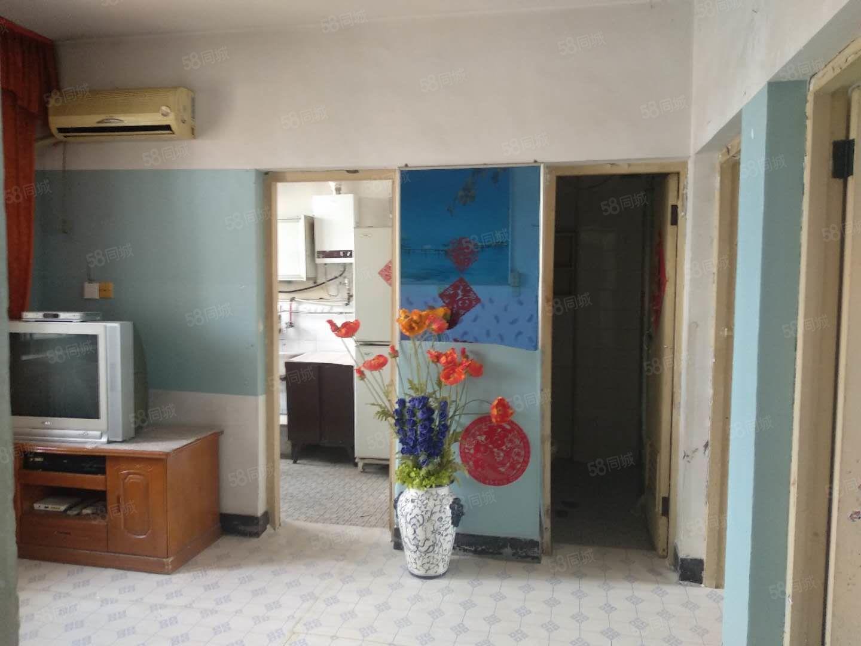 采油小区2室1厅采光好简单装修屋子干净整洁