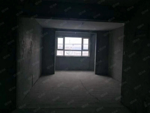 山水兰苑4楼118平三室两厅首付3万即可