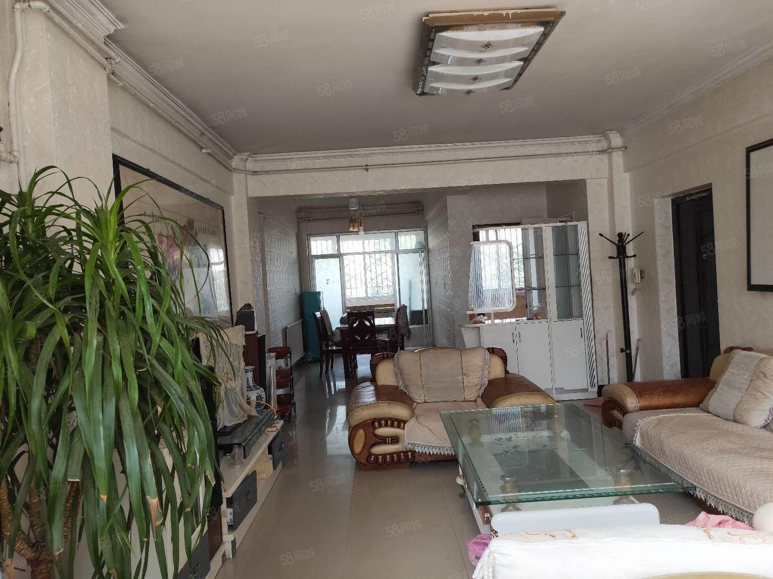 鼓楼家园1楼115平米3室2卫精装带家具家电有证可贷款54万