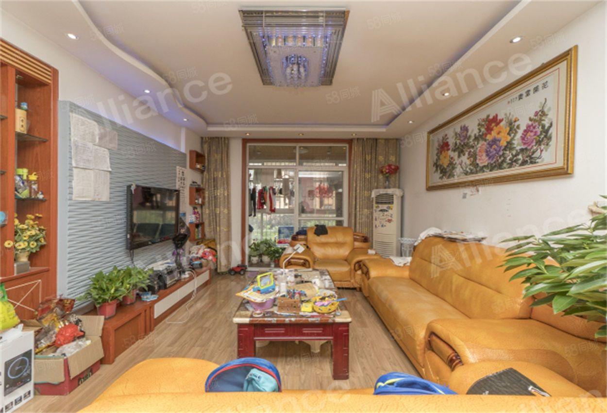 北苑小區家園多層三室精裝帶家具家電可拎包入住支持按揭