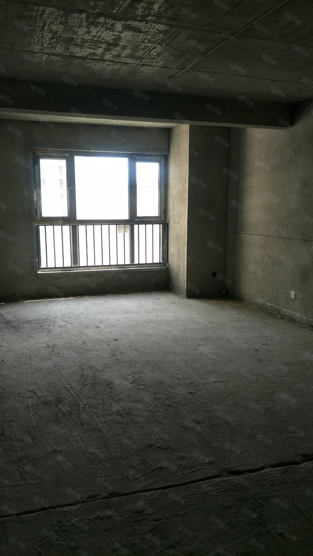 中天城苑四室两厅经典户型十一楼出售