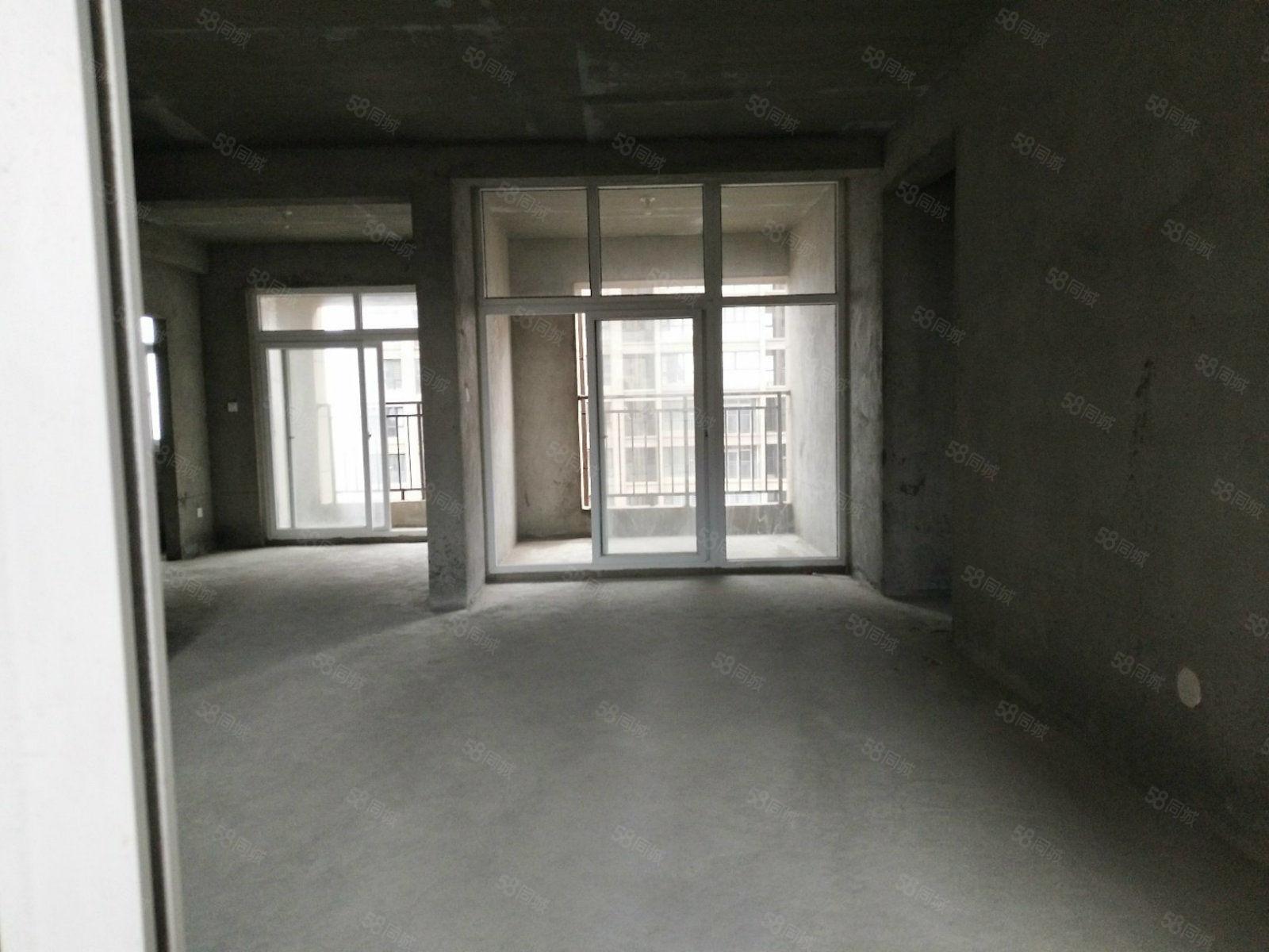 二实验附近天鑫现代城好楼层125.6平急售78万带一个车位