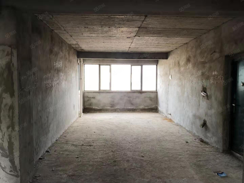實用撿漏房,龍心嘉園電梯高層非頂樓,3房雙衛浴,毛坯采光房