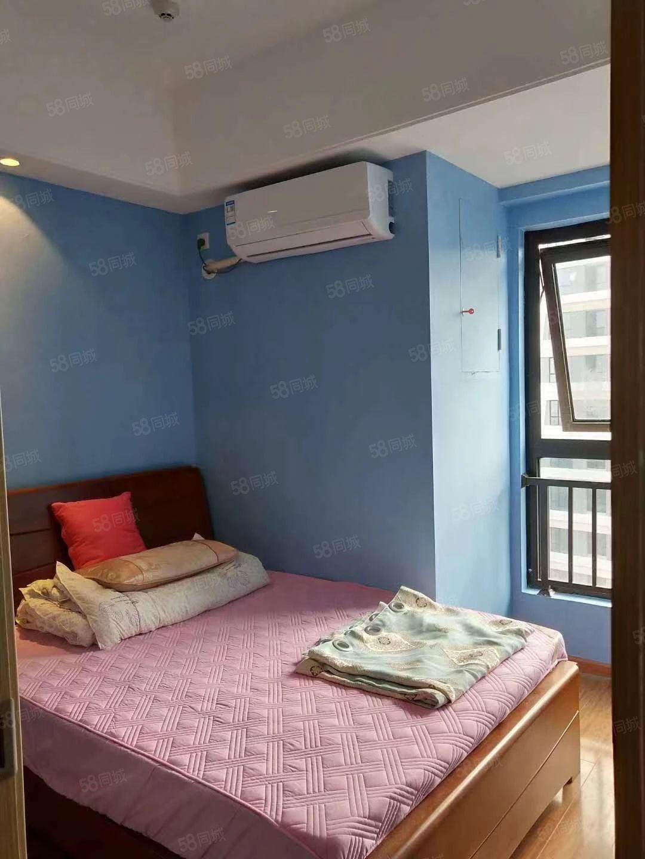 萬達單身公寓精裝修1800元/月出租