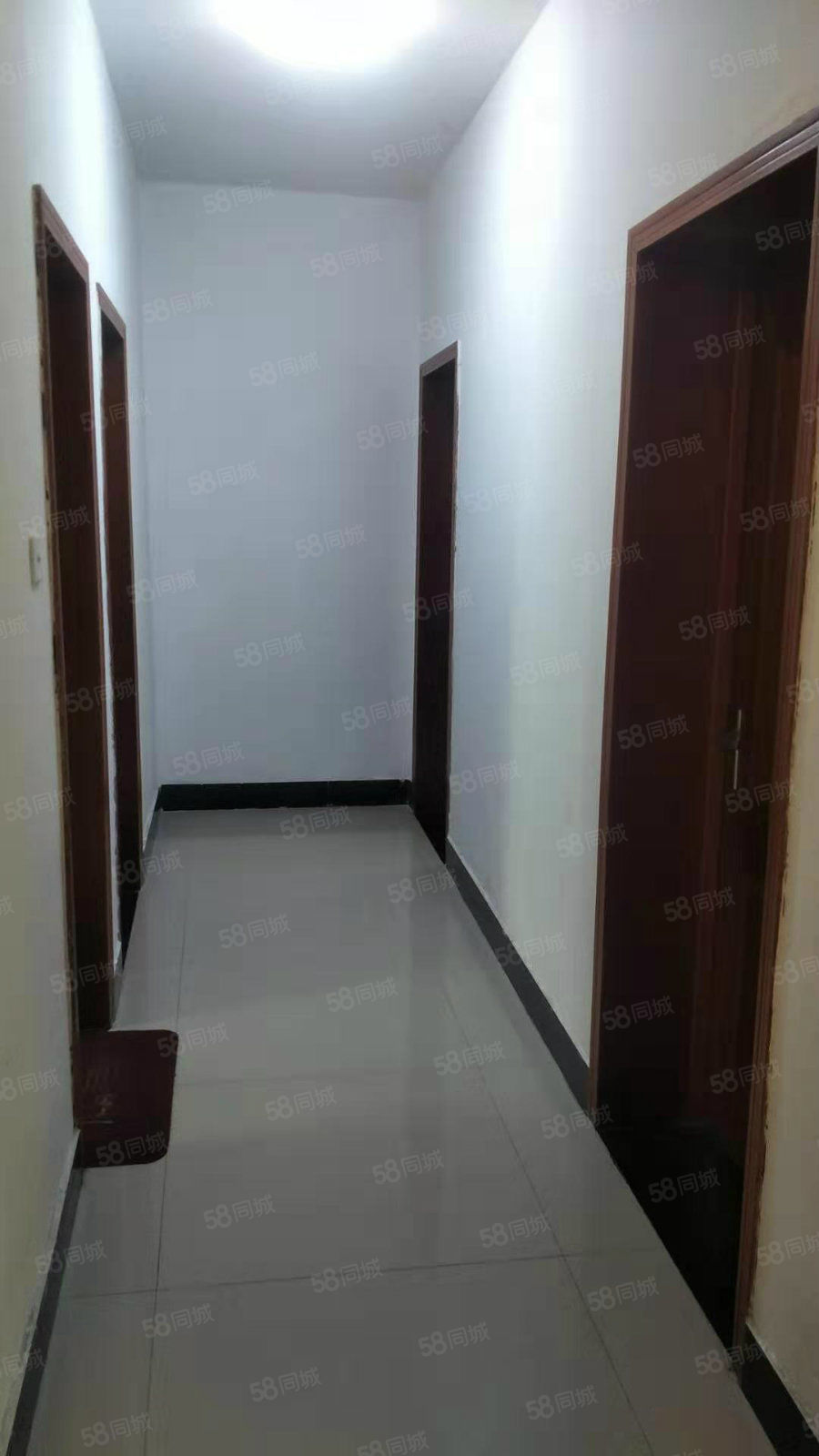 香頌雅苑1樓3室2廳2衛12儲藏室128平85萬降價了83