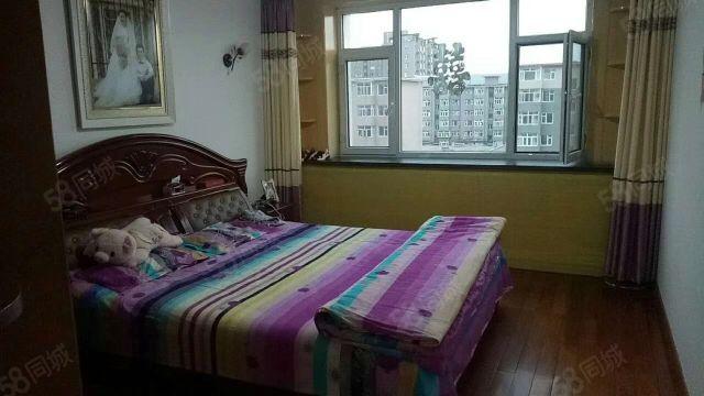 东市场边新婚3居室步梯6楼非顶层业主急售