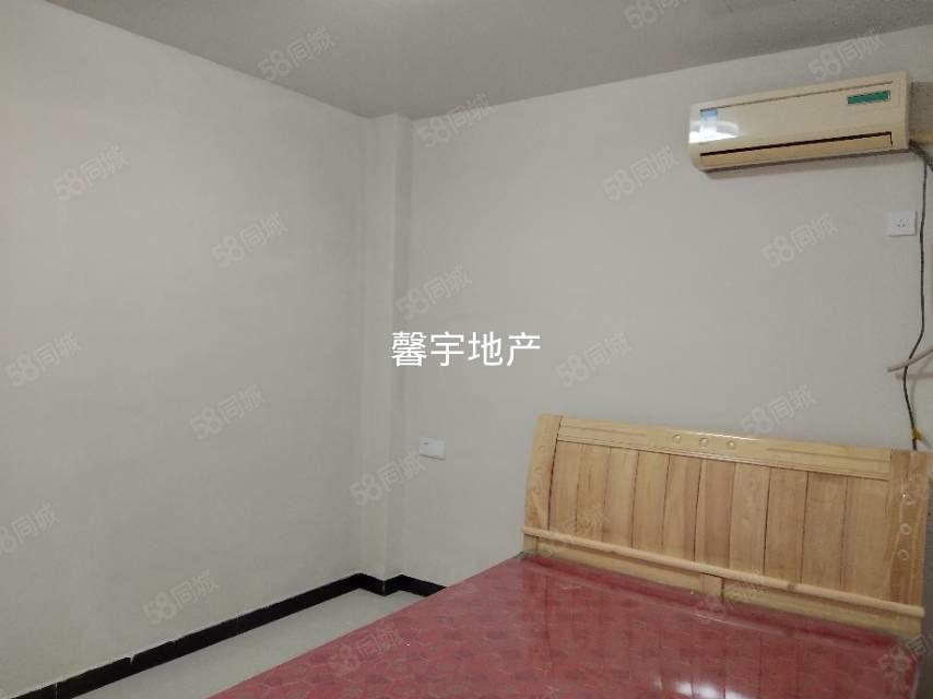 三合大市場精裝一室一廳精裝修停車方便位置好拎包入住
