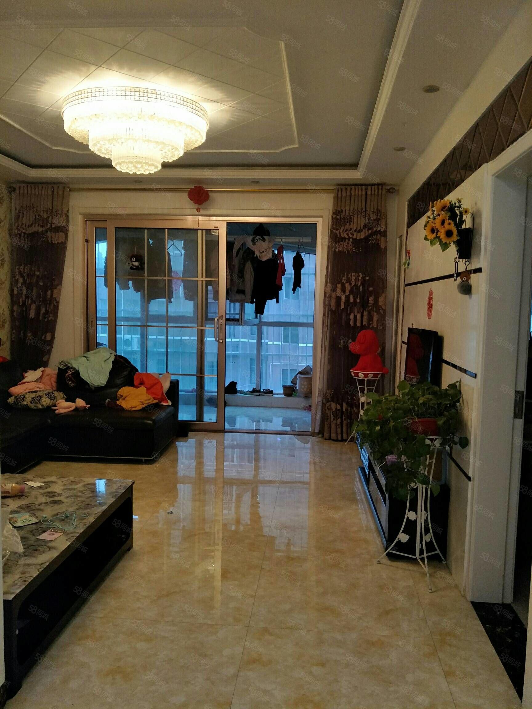 星河湾139.4平3楼精装带储藏室部分家具新证包过户105万