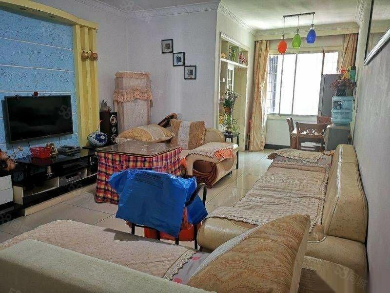 大十字花鸟市场,平台2楼,精装两室出售,房主急售,直降两万