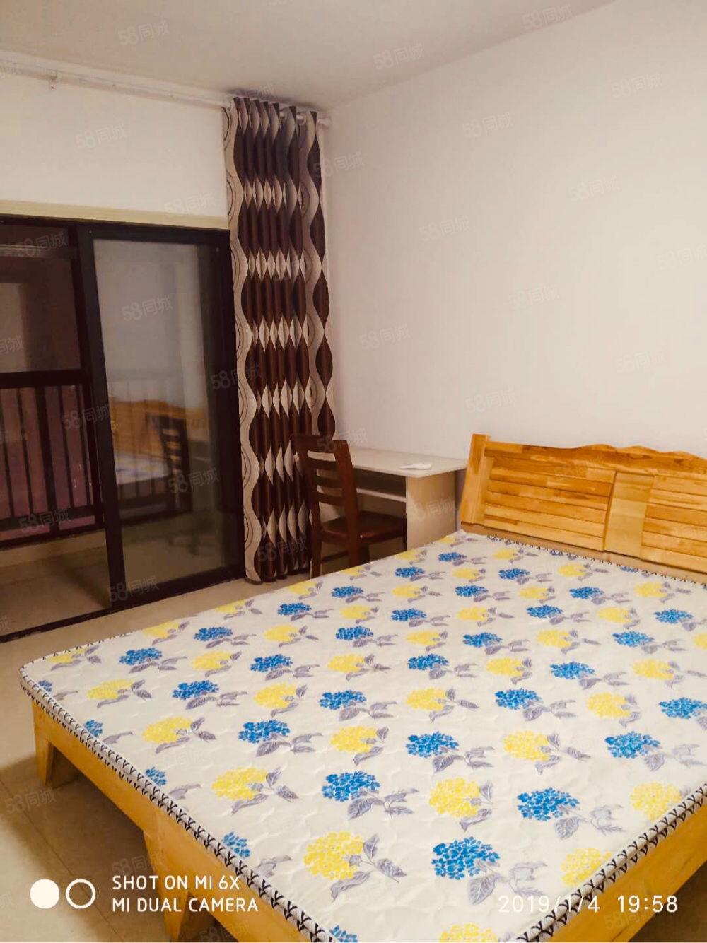 翡翠庄园两室一厅两台空调家电齐全拎包入住精装修