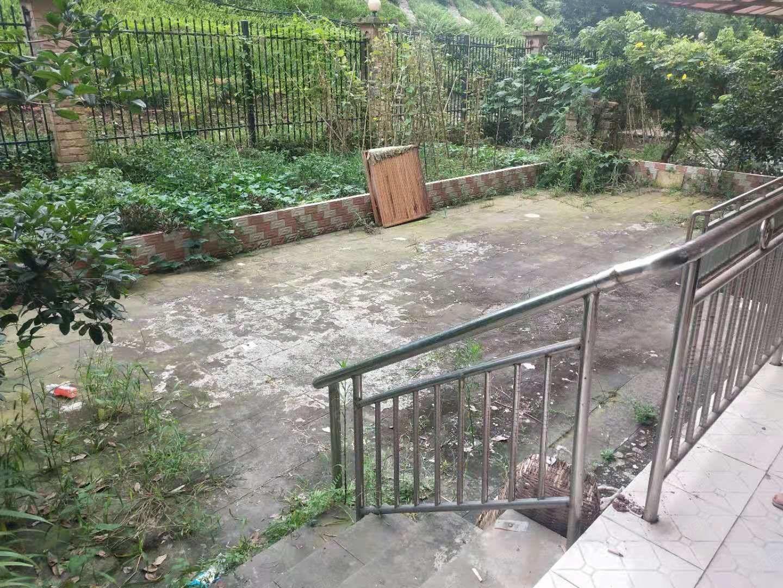 城西泊林俊四房一楼带100平米花园121户型出售