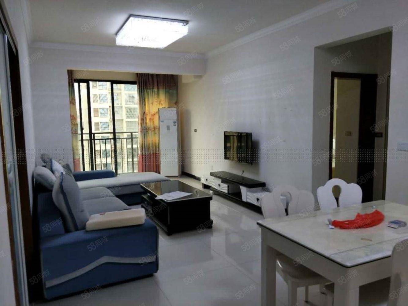 人民医院附近鹭岛国际2室精装出租,配套齐全,随时看房入住