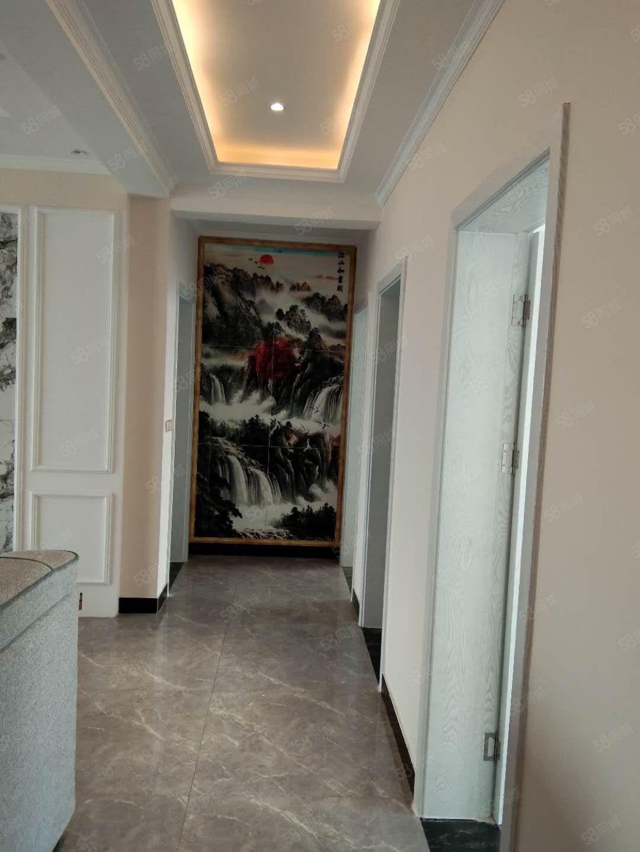 金汇名家电梯中高层新装大三房有证满五唯一可分期随时看房.