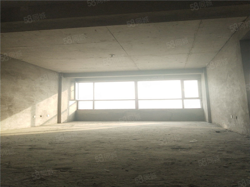 桥西全封闭高档小区电梯房好格局三室两卫有房本可以贷款