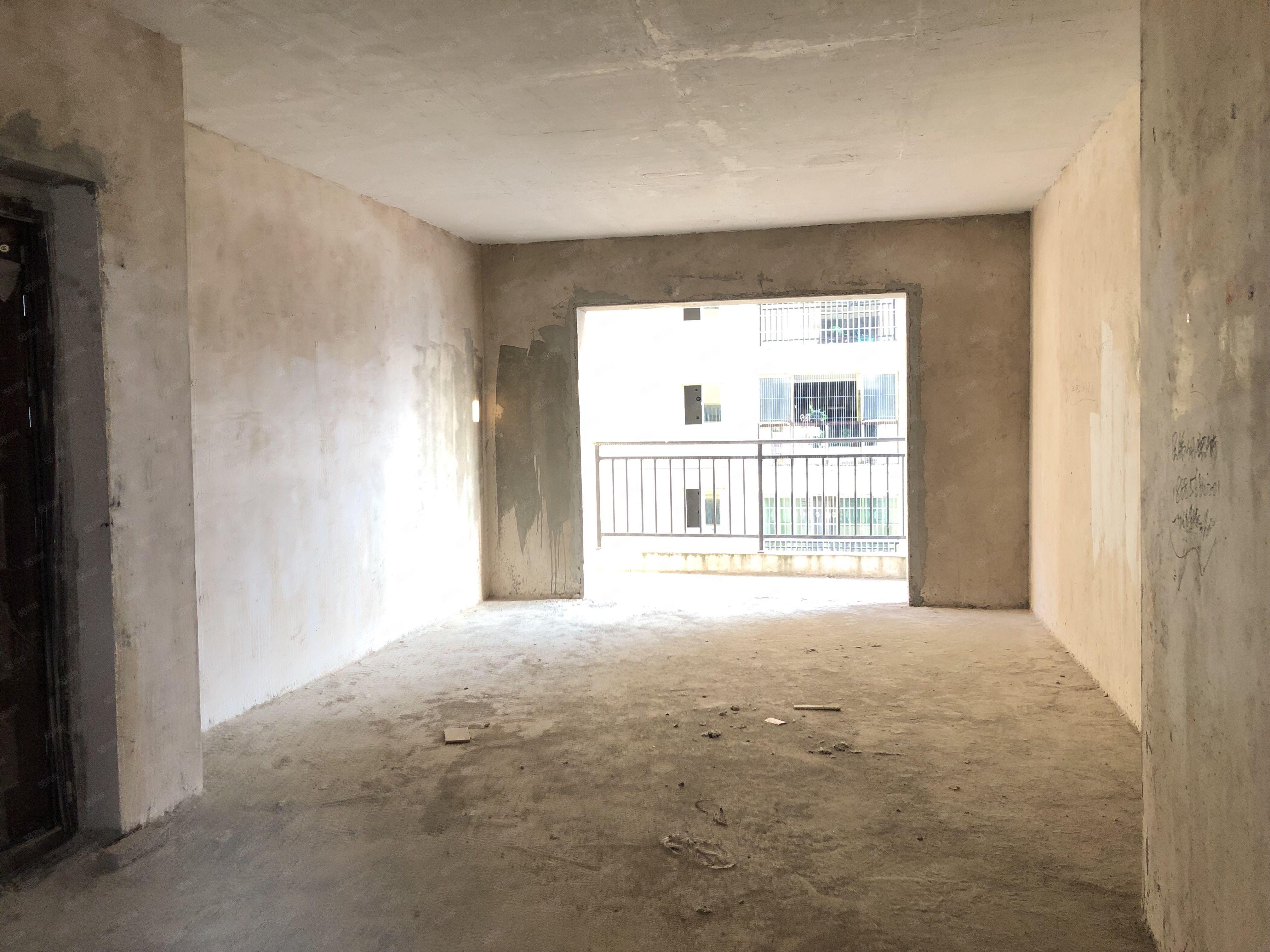 二中附近单价3880一平电梯楼标准三房可做按揭好停车