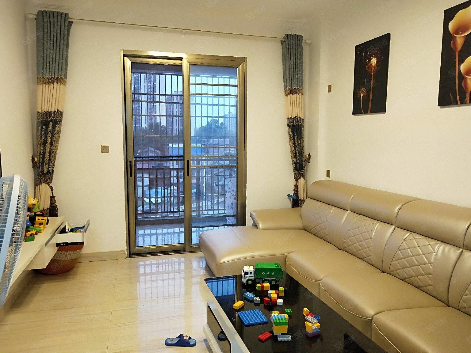 七里金虹湾小两房精装修户型方正楼层好价格可谈