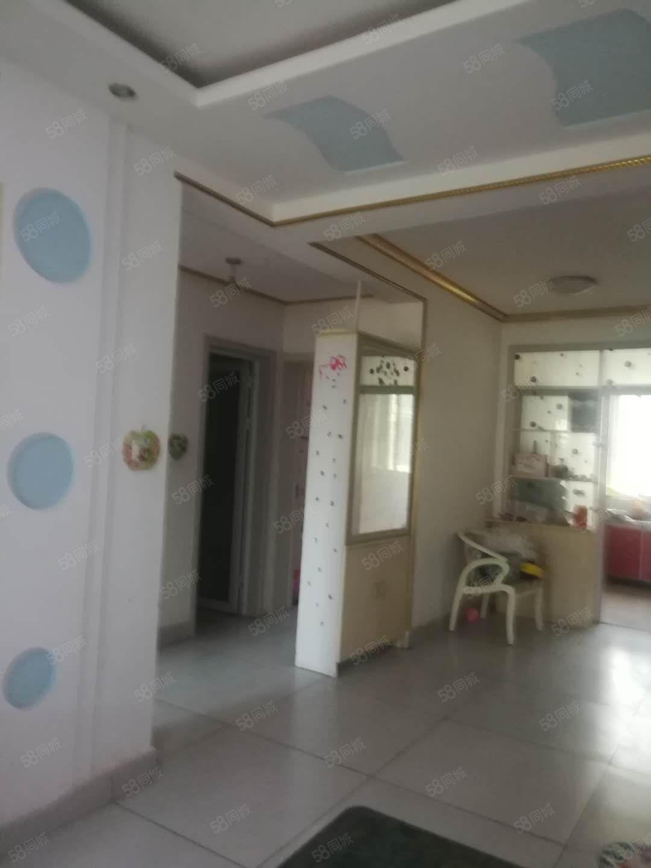 地鑫富丽城好楼层3楼精装双证可随时过户带储藏室