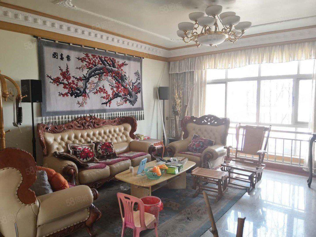 北苑小区精装修三居室带家具拎包入住