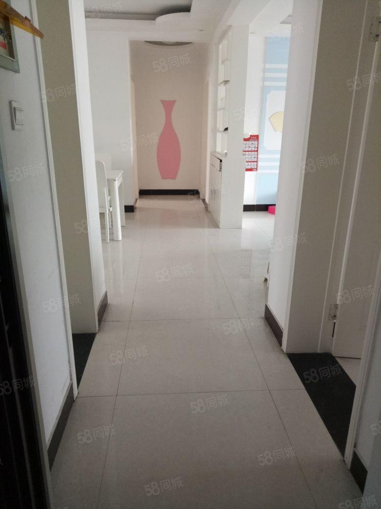 鄢陶路金丰花园两室电梯中层精装修拎包入住