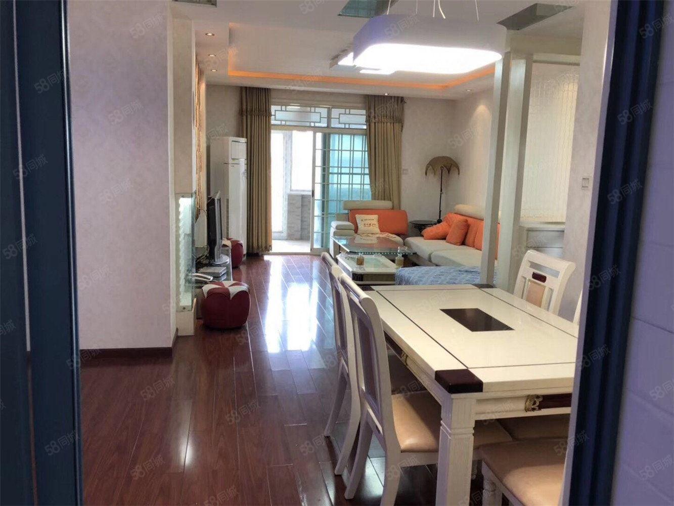 城西精装三室,带家具家电,中间楼层,业主诚心出售