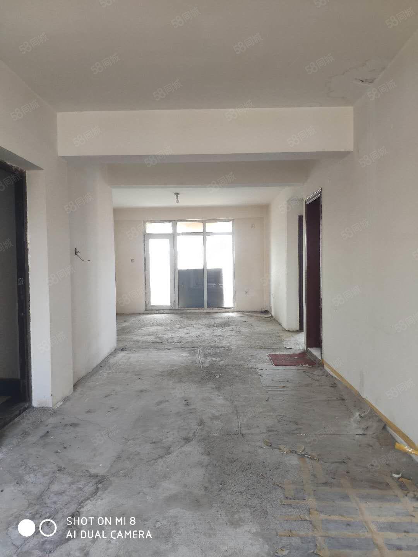 濱湖河新市政府新匯嘉旁電梯房3997元平四室三廳雙衛全明