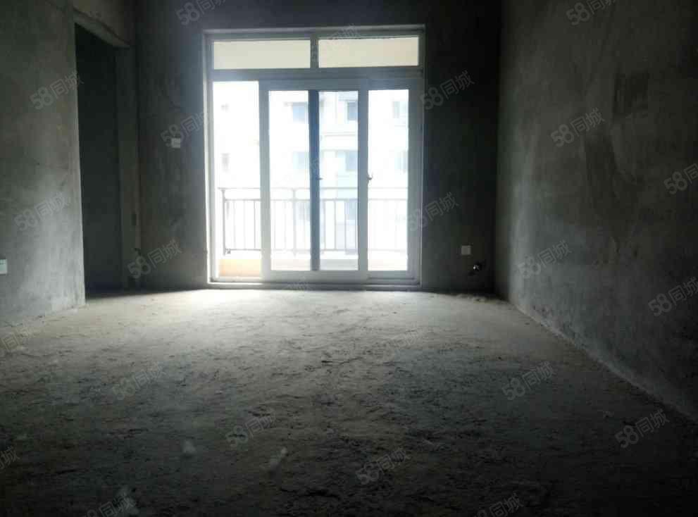碧桂园小三房,全天采光,看房有钥匙