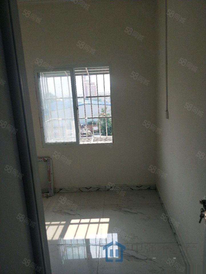 崔庄三室两厅精装单元房随时看房急卖