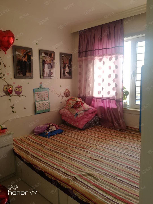 天驕華府兩室一廳精裝修拎包入住小區環境優美一中學附近