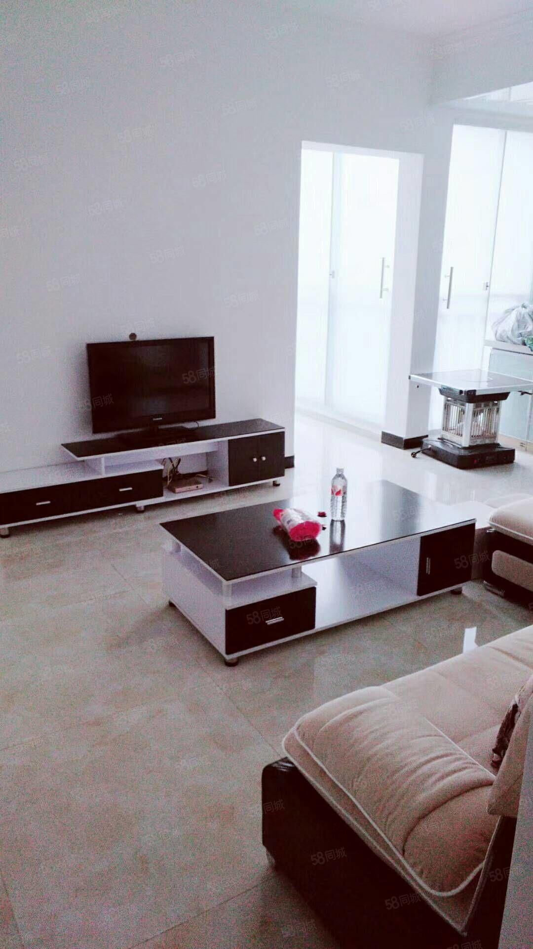 民航大道精裝修標準1室1廳帶全套家具家電出租