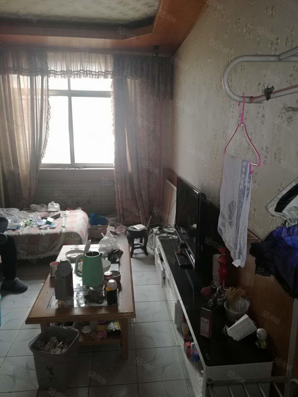 原漯河银行家属院,无物业费,紧邻澧河河堤,菜市场生活出行方便