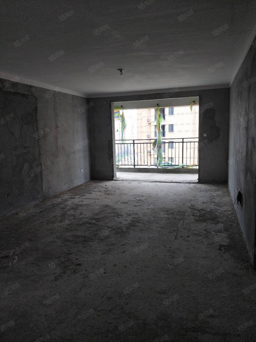 新加坡花园毛坯大三房带270度观景阳台有证可按揭