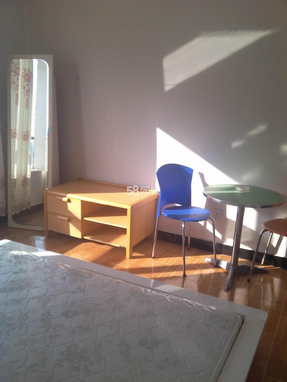 金色阳光1室0厅1卫