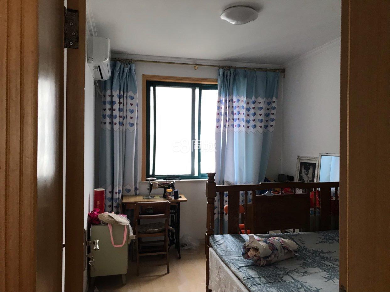 食品小区3室2厅1卫
