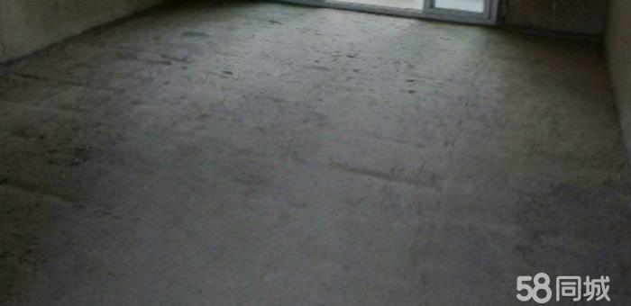 威宁县草海镇泰丰园方向自建房出售240平方,门前120。