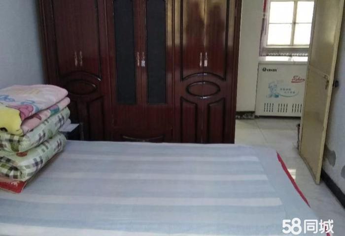�c城玄�R��Z�蛐�^2室1�d1�l70平米